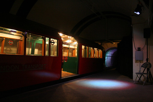 1938 tube train in the platform