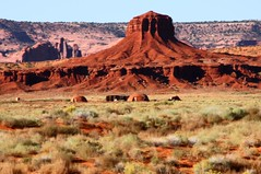 "The ""Hub"" and Navajo homestead (Mysophie08) Tags: hub hogan monumentvalley"