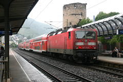 143 216-0, Boppard Hbf (Howard_Pulling) Tags: station river germany deutschland gare rail bahnhof loco db german valley locomotive rhine bahn railways rhein hbf re2 tal 2160 boppard 143 dbag class143 baureihe143 dbregio 143216 dbbaureihe143