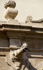Catania, Piazza dell'Universit, Palazzo dell'Universit, Wasserspeier (HEN-Magonza) Tags: university palace gargoyle sicily universitt baroque barock palast catania sicilia waterspout wasserspeier palazzodelluniversit siizilien piazzadelluniversit