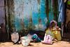 Au marché de Kunduli (hubertguyon) Tags: blue woman india wall market femme tribal bleu mur marché orissa inde tribu kunduli earthasia marchž