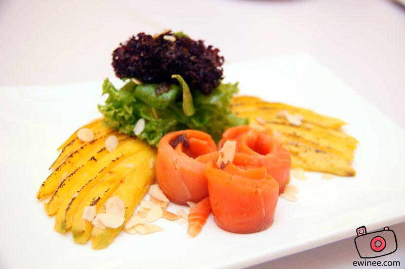 FULLHOUSE-SUNWAY-GIZA-smoked-salmon