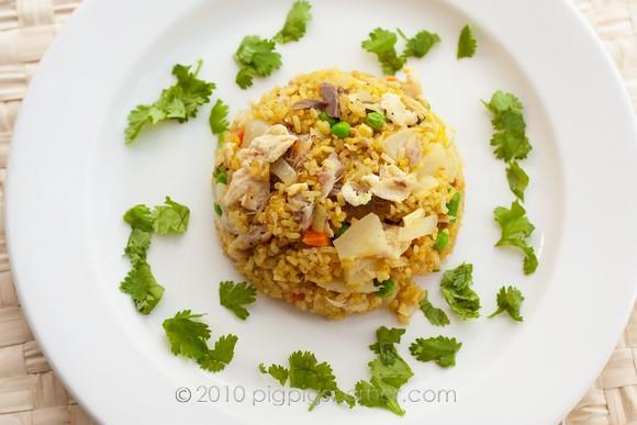 Pineapple fried rice with smoked mackerel 1
