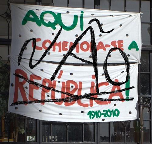 Aqui NÃO se comemora a república!....