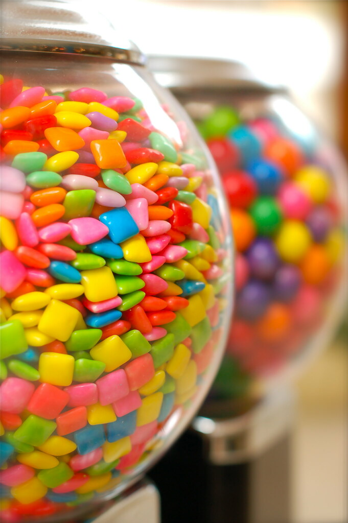 chiclets gum machine