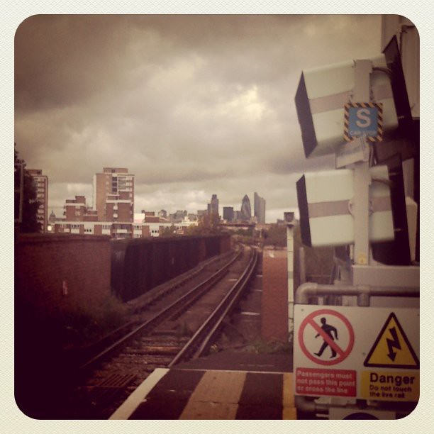 All 21 past trains to London are delayed! The gherkin!