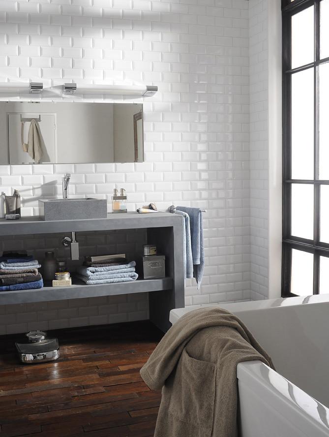 cheap salle de bains ambiance mtro castorama tags parquet brique miroir maison mur lavabo with. Black Bedroom Furniture Sets. Home Design Ideas