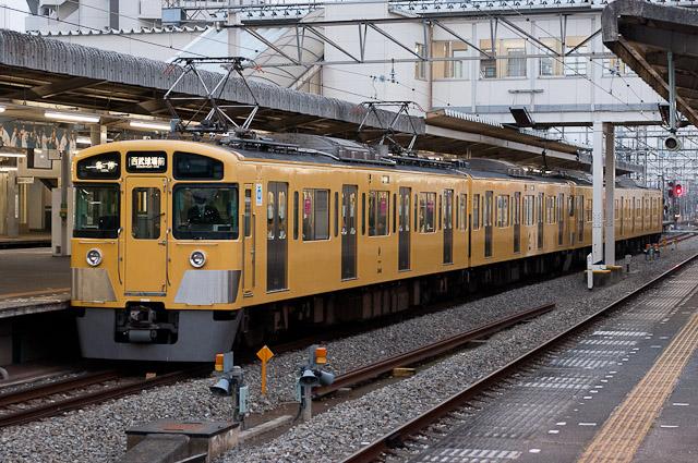 西武鉄道2000系 2413F+2461F
