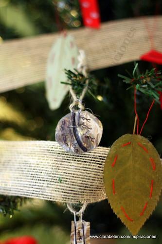 Manualidades navideñas: cómo hacer adornos de Navidad con botellas de plástico recicladas
