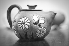 Emyan's teapot (rdmytrenko) Tags: blackwhite teapot canon50mm canon50d
