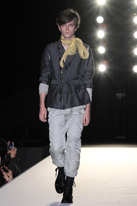 SS11_Tokyo_LANVIN en Bleu001_Daniel Hicks(Fashionsnap)
