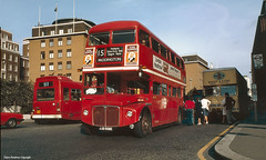 LTE RML2508, Central London, 1982 (re-posted image) (Lady Wulfrun) Tags: red bus london capri 1982 september national routemaster stpaulscathedral 1980s cannonstreet removals leyland londontransport centrallondon 513 rml lte depositors bishopsons jjd508d rml2508 07982