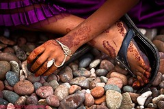 l'henne on the feet and hands in soqotra island-yemen (anthony pappone photography) Tags: pictures travel people color colors digital canon lens island photography photo colorful colours colore foto image felix picture culture best unesco arab arabia adan yemen arabian fotografia bottletree reportage photograher arabo yemeni phototravel yaman socotra soqotra arabie arabiafelix arabieheureuse اليمن arabianpeninsula يمني 也門 سقطرى сокотра alyaman yemenpicture yemenpictures eos5dmarkii 索科特拉 ソコトラ सोकोट्रा dragonsbloodtrees