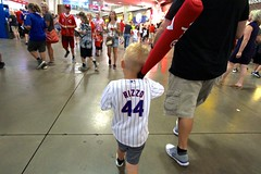 Little Rizzo Fan (dangaken) Tags: 1b rizzo 44 anthonyrizzo chicagocubs cubs mlb mlbpa cincinnatireds reds greatamericanballpark roadgame cincy majorleaguebaseball