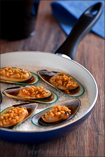 Mussels with ginger and soy sauce
