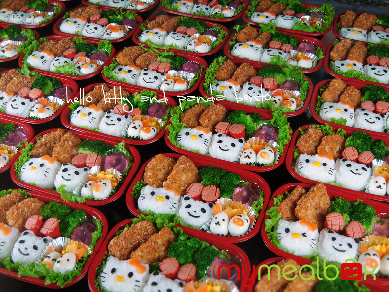 Hello Kitty and Panda bento
