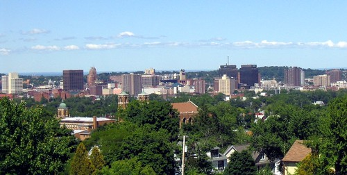 Syracuse skyline (by: Wikimedia user: Joegrimes, public domain)