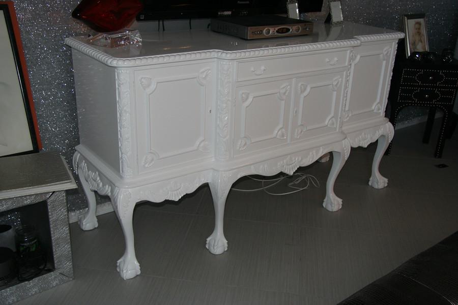 White elegant, modern Buffet Table