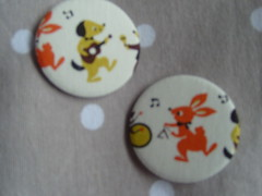 Musical Animals (Lilies and Daisies) Tags: magnets badges compactmirrors