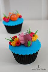 My Dopey Sea Snail! (Little Cottage Cupcakes) Tags: sea cupcakes nemo snail fondant seasnail sugarpaste childrencupcakes littlecottagecupcakes