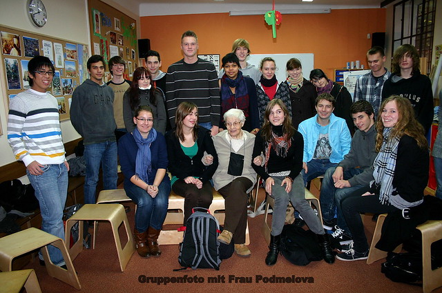 Gruppenfoto mit Frau Podmelová