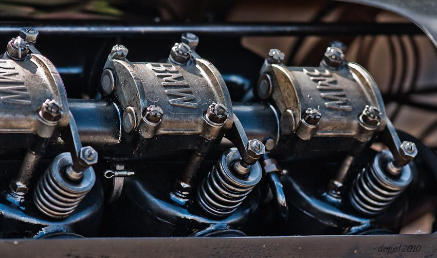 47 ltr V12 BMW Brutus - Dyxum