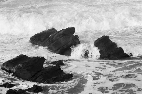 Water Splashing between Rocks