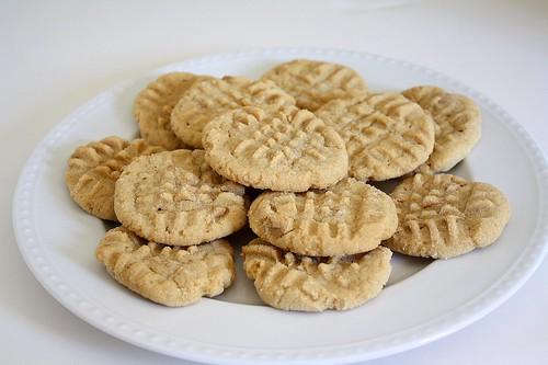 TWD: Peanut Butter Crisscrosses
