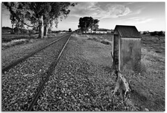 Missing train (Antonio Carrillo (Ancalop)) Tags: bw españa white black blanco station train canon tren puerto spain negro railway bn tokina murcia filter estacion cokin gradual nd8 gnd8 lumbreras ancalop