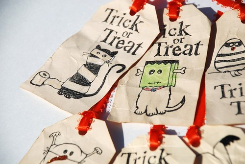 Trick-or-treat 'Boo Bag' Tags