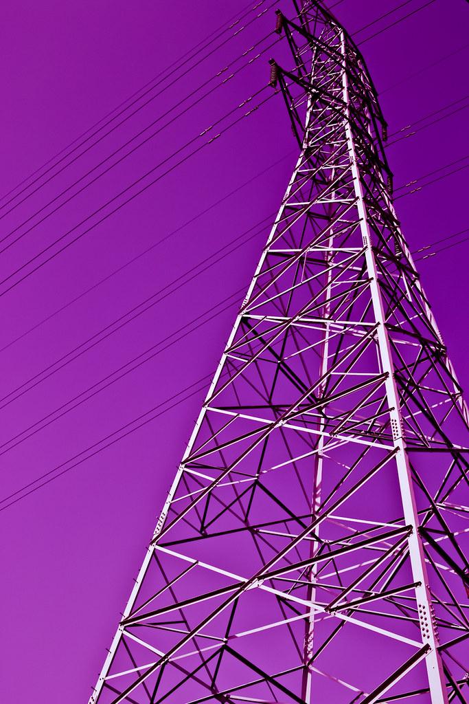 紫色高壓電塔!
