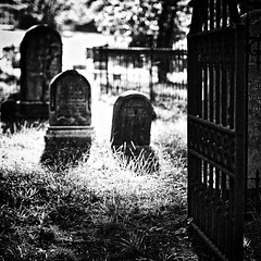 Well...Okay...If You Really Need A Place To Stay (Baab1) Tags: christchurch blackandwhite bw cemeteries halloween monochrome grass nikon october graveyards gates headstones maryland haunted spooky ghosts tombstones historicalbuildings d300 sigma50mm southernmaryland goldenhours calvertcountymaryland historicalchurches broomesislandmaryland astoundingimage stleonardmaryland portrepublicmaryland broomesislandroadmaryland
