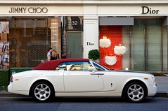 Thats how we roll. (Luke Alexander Gilbertson) Tags: london nikon raw luke harrods knightsbridge londres londra f28 2010 gilbertson 2470mm sloanestreet d700 rollsroycephantomdropheaddiordiorjimmychoorollaroller21incharabsupercarsummer2010