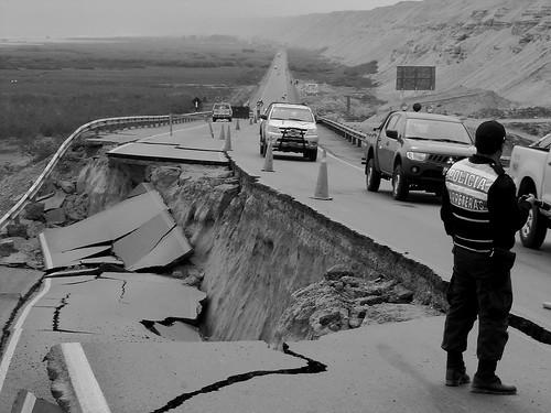 Rumbo a Ica despues del terremoto.