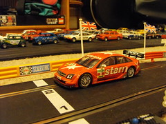 Opel Vectra (Mk.2) (2) (Andy Reeve-Smith) Tags: opel scalextric vectra gtsv8