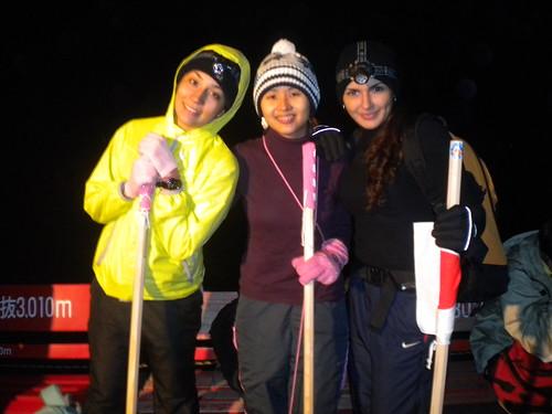 Marisa, Bianca e eu no meio do caminho - 3010 metros