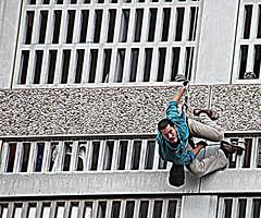 (Art Urbain) Tags: eos rebel dance lyon danse 2010 spectacle 500d arturbain avantpremiere eos500d canoneos500d rebelt1i eosrebelt1i canoneoskissx3 biennaledeladanse2010 thebiennaledeladanse2010 quartierpartdieu lieudtre compagnieacte