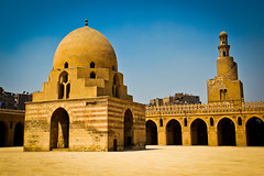 The Mosque of Ahmad ibn Tulun (modenadude) Tags: old original 3 art water architecture standing canon spiral is big arch exterior drink minaret muslim islam iraq capital prayer pillar decoration egypt large first arches courtyard palace mosque cairo independent adobe dome sultan usm gigantic ablution masjid dynasty coptic wudu lightroom 1755 mamluk samarra 550d masgid t2i tulunid mosqueofibntulun ahmadibntulun spandral ziyada alqattai abassid mosqueofahmadibntulun alqatai stuccu lajin