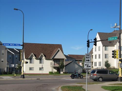 Bryant Ave N at Olson Memorial Highway
