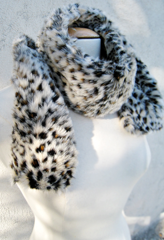 faux fur leopard print neck scarf DIY -wrapped