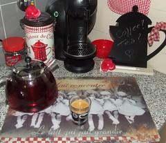 Coffee???...Tea??? (mi-nuxa) Tags: home coffee café casa tea eu 2010 corners chá coisasminhas recantos