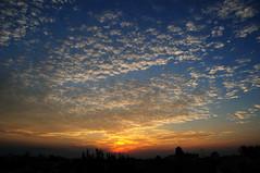 Las 20 mil formas del cielo... (Yahir Ceballos) Tags: blue sunset sky azul clouds contraluz atardecer nikon cielo nubes naranja yahirceballos