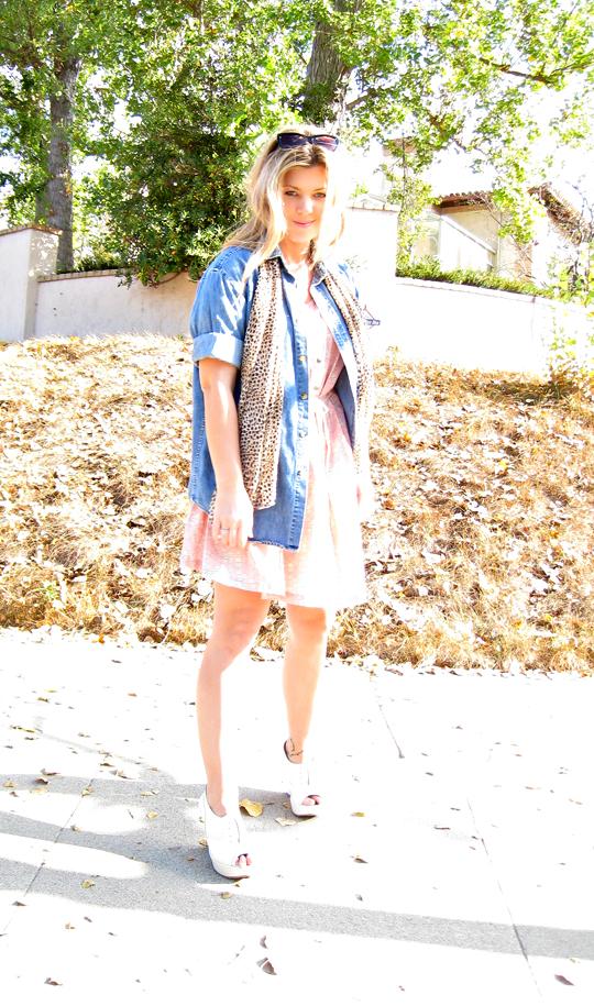 sea dress+denim shirt+leopard print scarf