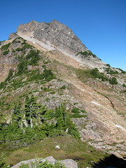 Del Campo Peak (Sean Munson) Tags: mountains landscape washington hiking nationalforest wa northcascades delcampo mountbakersnoqualmienationalforest mtbakersnoqualmienationalforest delcampopeak wedencreektrail trail724 wedencreektrail724 gothicbasintrail gothicbasintrail724