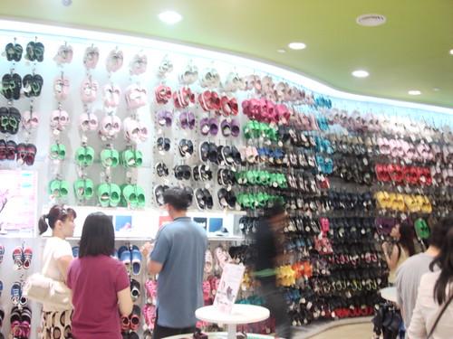 Crocs store - mid valley (7)
