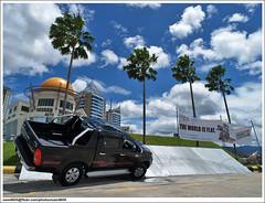 2010 Toyota Hilux 3.0G D-4D Intercooler VNT (sam4605) Tags: ed 4x4 4wd olympus malaysia borneo toyota kotakinabalu e1 sabah vigo intercooler hilux 30g zd d4d sabahborneo vnt 1260mm 1borneo sam4605