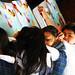 Niños y niñas inmersos en un viaje imaginario por su ciudad individual . Foto de Juan Sebastián Chávez para Bogotá Gota a Gota