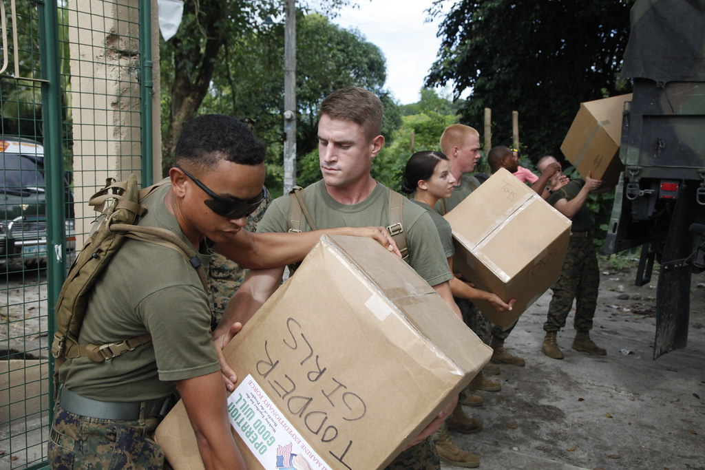 Marines donate supplies to Filipino school