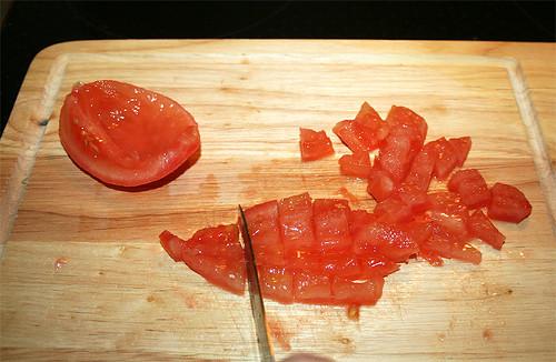 15 - Tomate würfeln