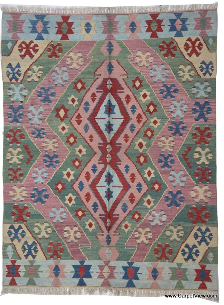 Oushak wool flatweave kilim rug